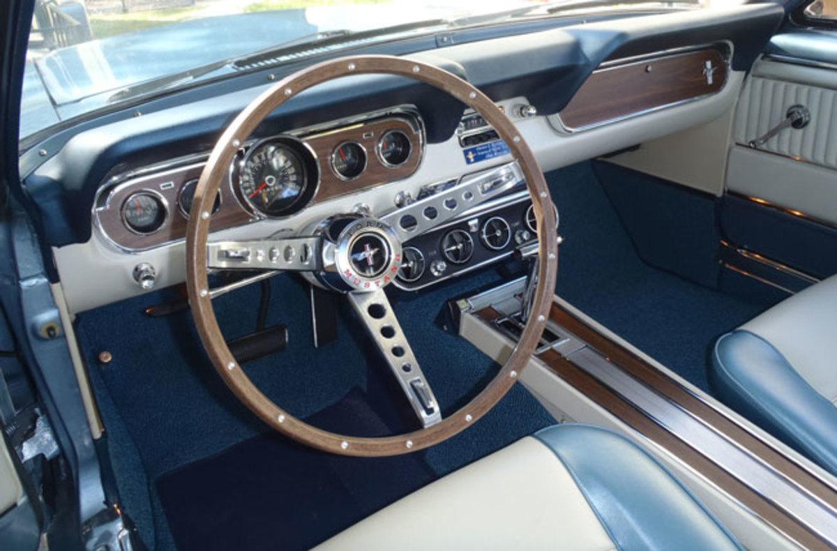 1966-Mustang-dash