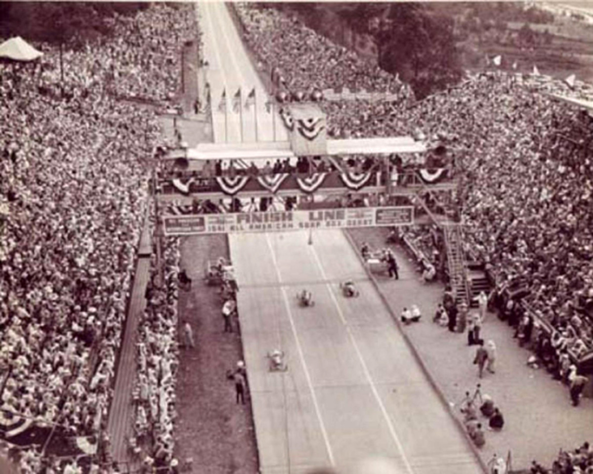 The Soap Box Derby drew thousands of people to Akron, Ogio, and Chevrolet used the event to promote its cars to the crowd.