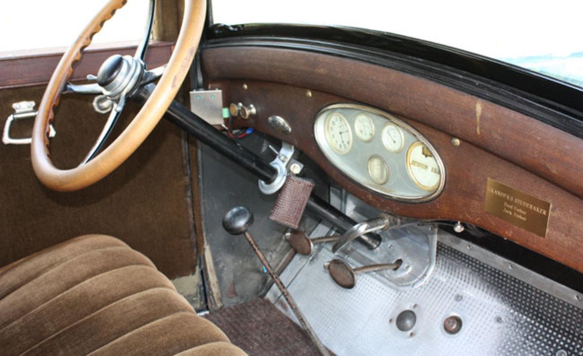1925-Studebaker-interior1