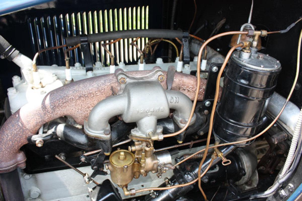 1925-Studebaker-engine