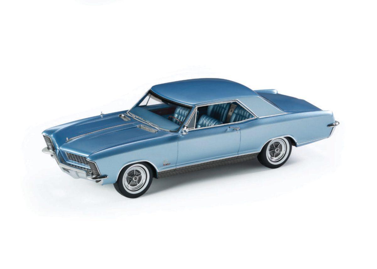 Automodello's 1:24-scale 1965 Buick Riviera GS model in Astro Blue.