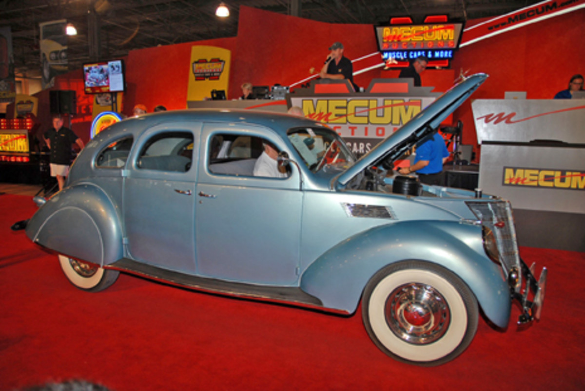 One of the most stylish cars of the 1930's, this 1937 Lincoln Zephyr found a new buyer at $23,500 during Mecum's Back To The 50's auction. (B. Mitchell Carlson photo)