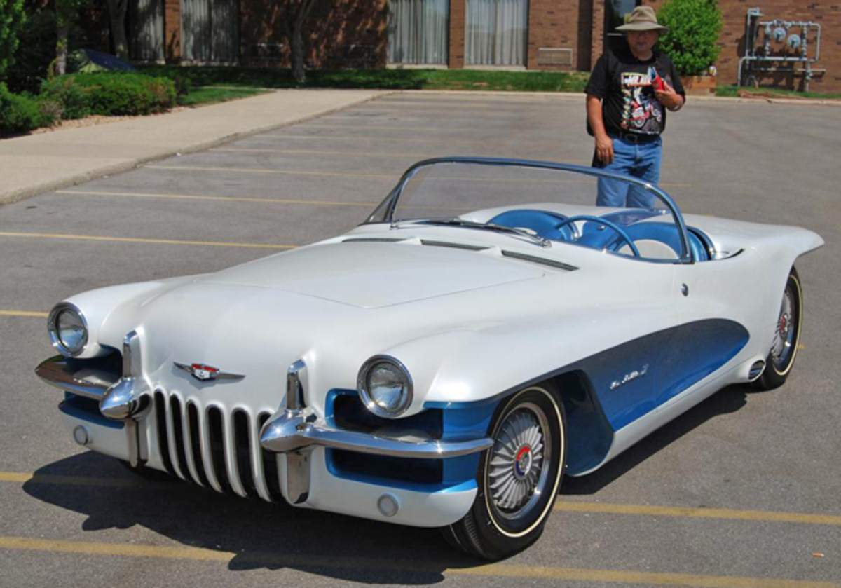 The LaSalle II features a white body with metallic blue accents.
