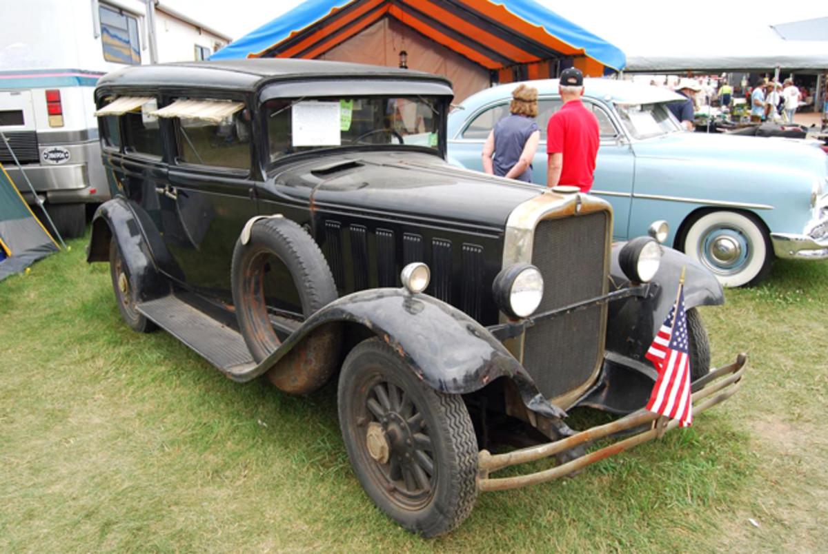 1930 Peerless Model A Standard Eight five-passenger sedan.
