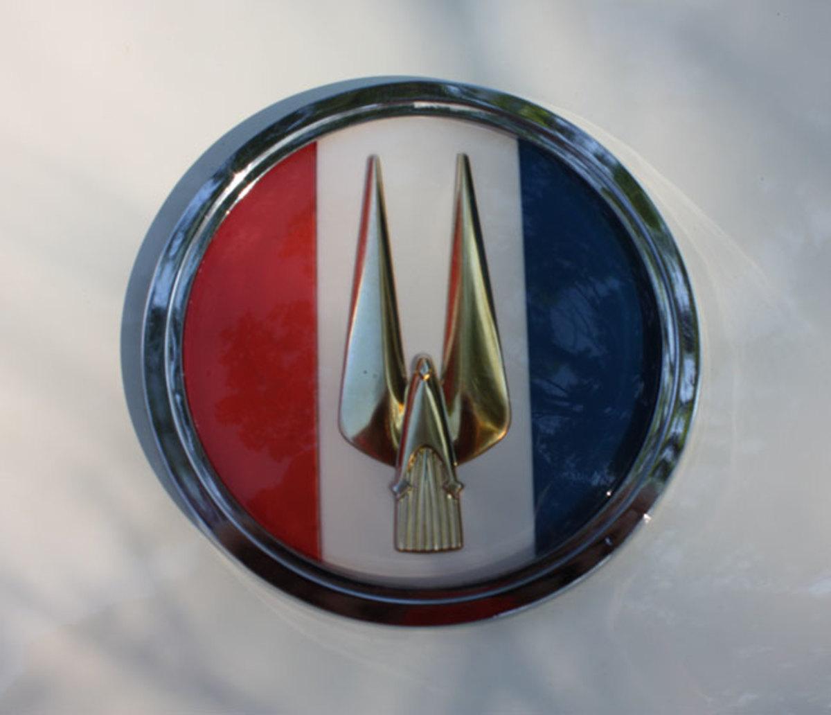 1963-GT-Hawk-badge3