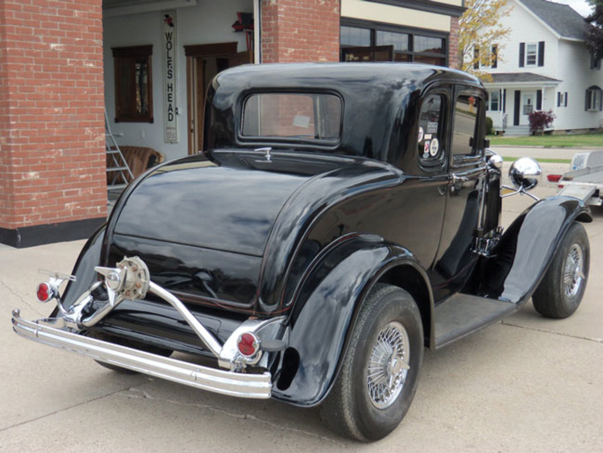 1932-Ford-rod-3