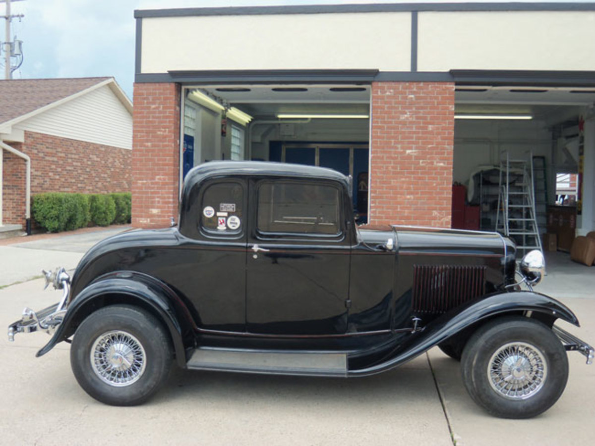 1932-Ford-rod-2