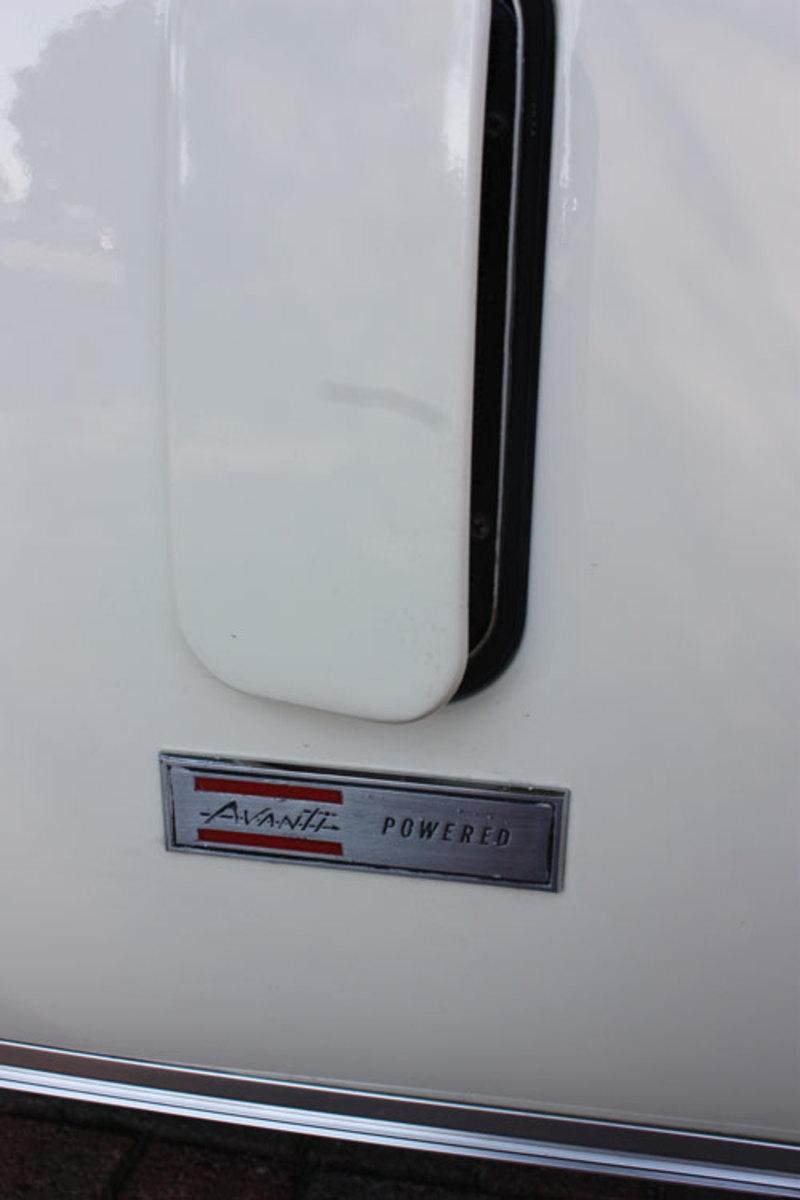 1963-GT-Hawk-badge1