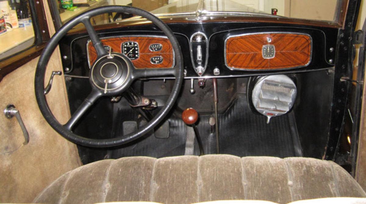 1932-Buick-interior1