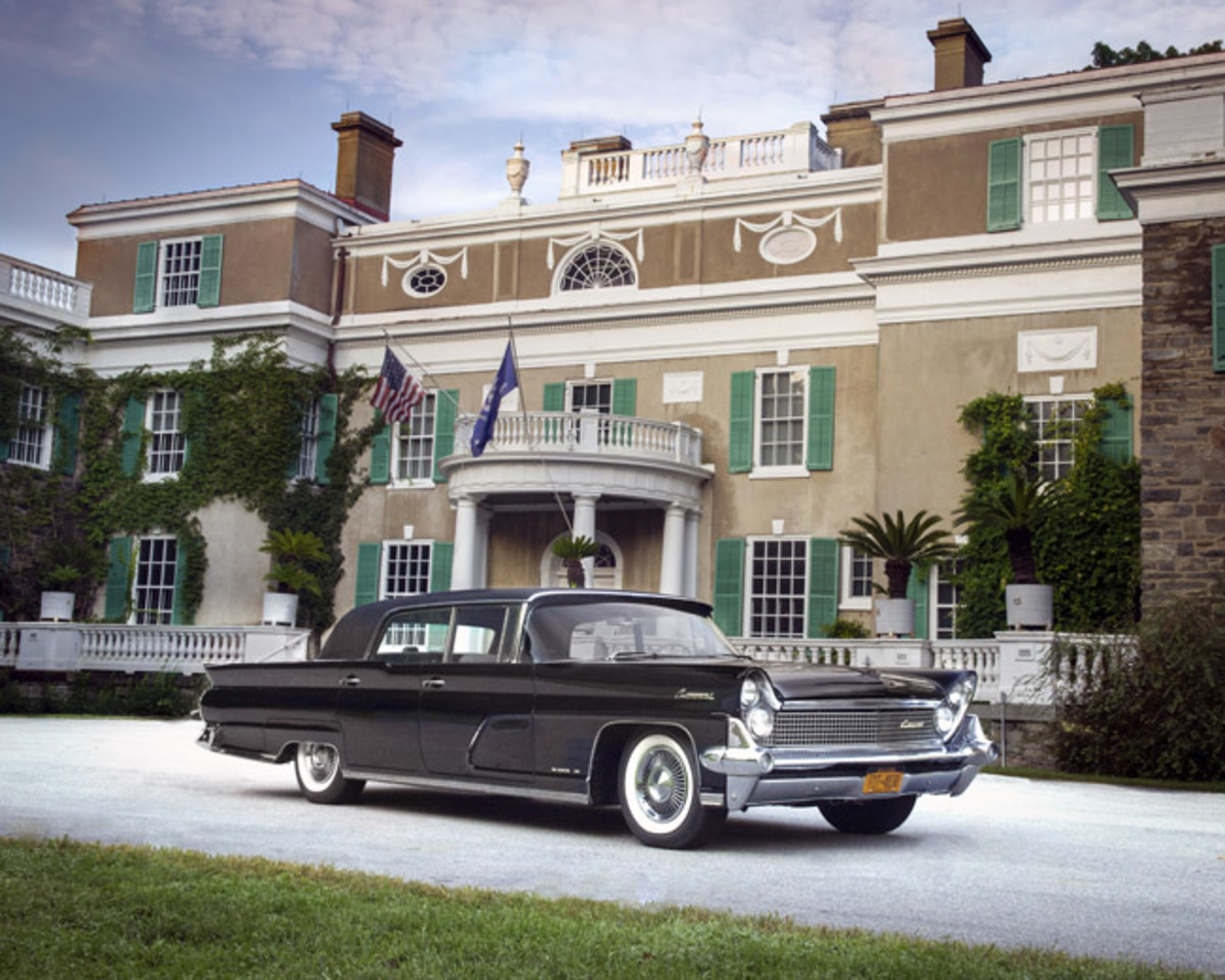 "Bill White's extremely rare, Hess & Eisenhardt-created 1959 Lincoln Continental Mark IV Limousine from Hopewell Junction, NY proudly poses at President Franklin D. Roosevelt's Hyde Park, NY home ""Springwood"" in anticipation of the Lincoln & Continental Owners Club's September 19th-22th, 2019 Eastern National Meet in the Historic Hudson Valley."