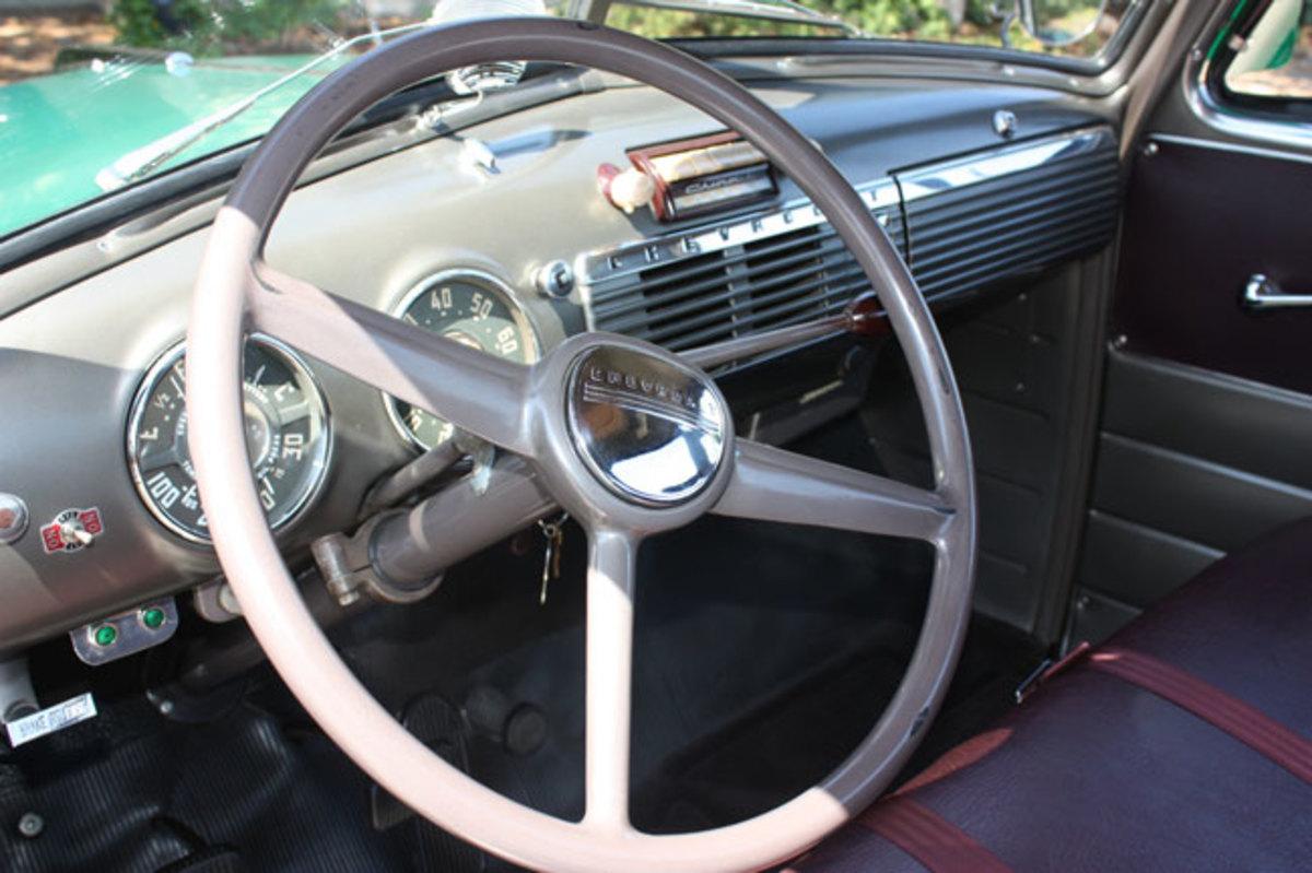 1951-Chevy-pickup-dash