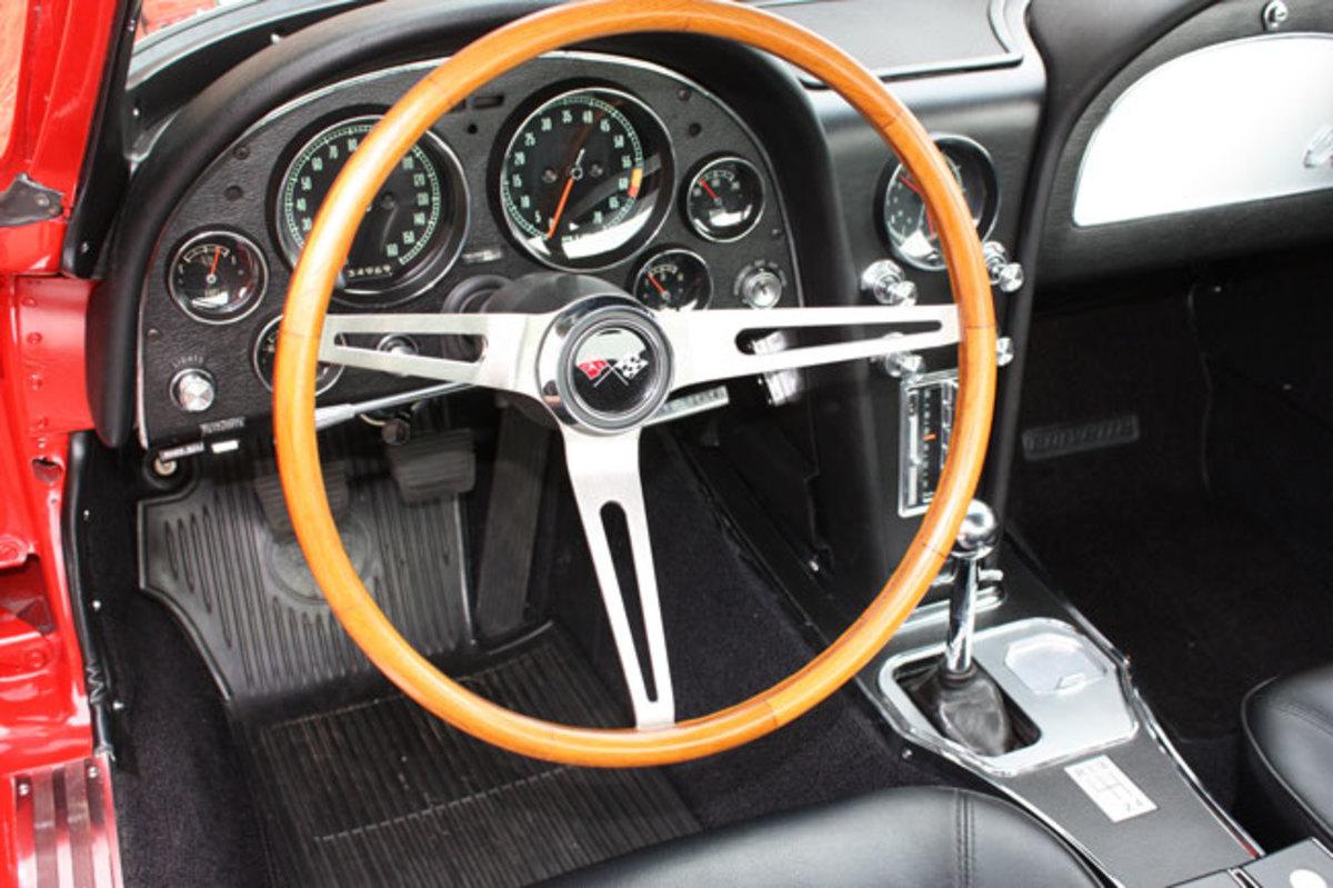 1965-Corvette-11