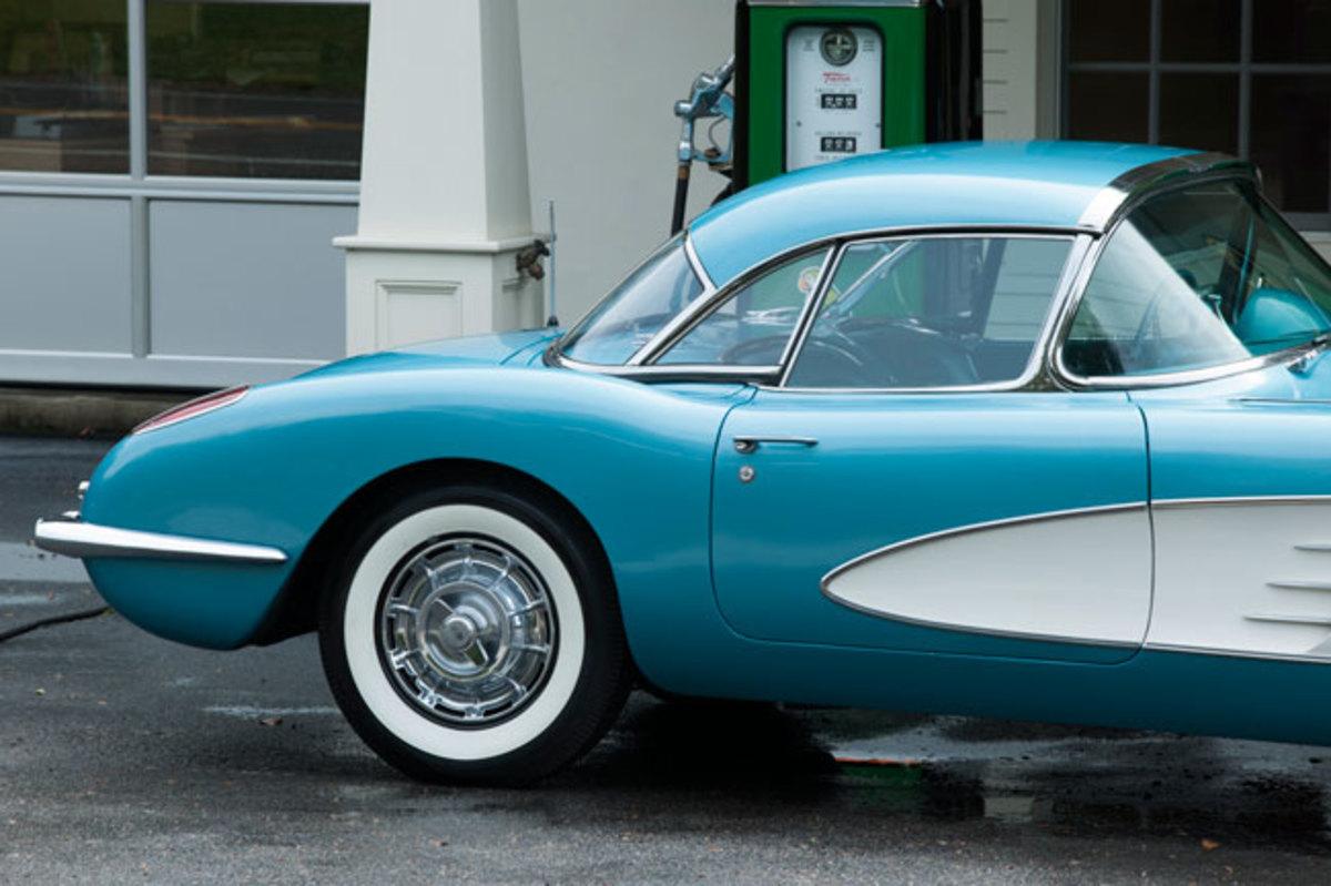 1959-Corvette-11