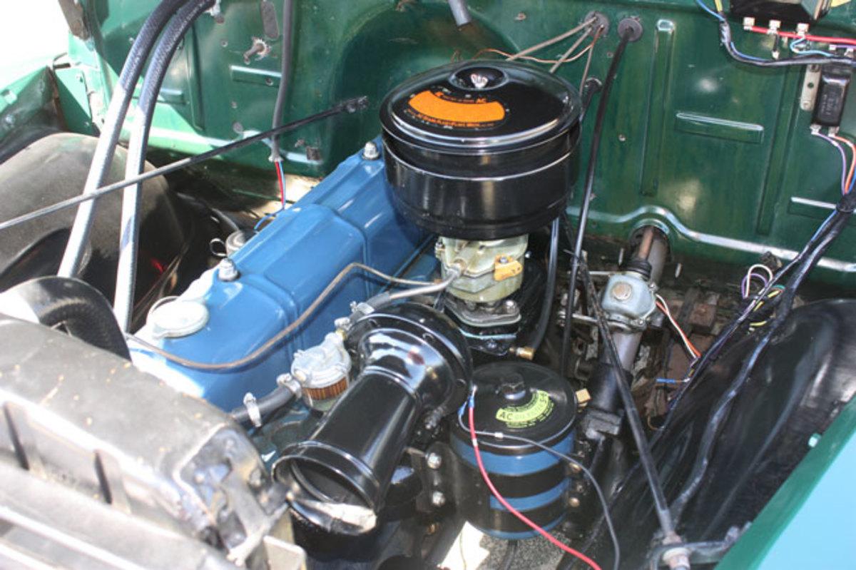 1951-Chevy-pickup-engine