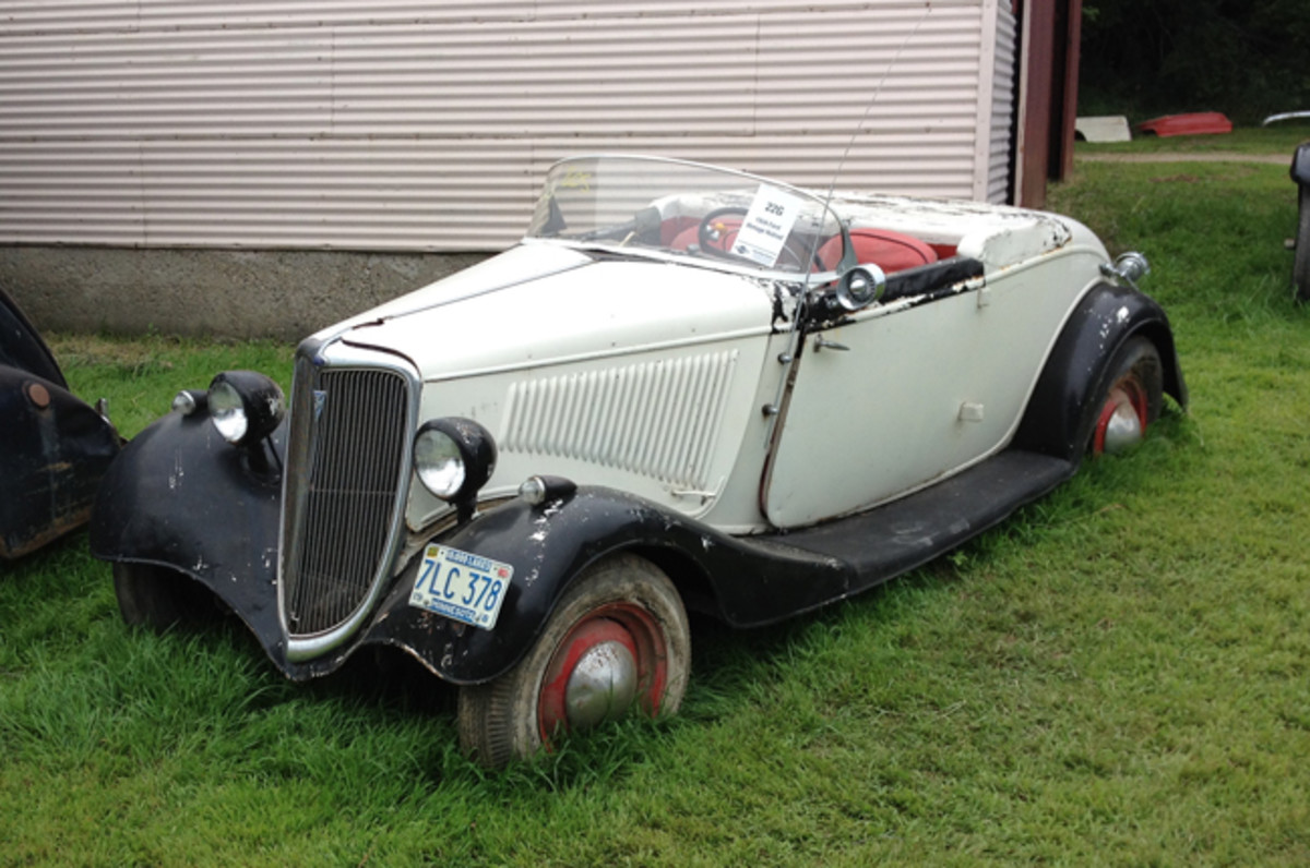 This no. 4 condition 1934 Ford Model 40 rod with fiberglass tonneau cover went for $16,000.