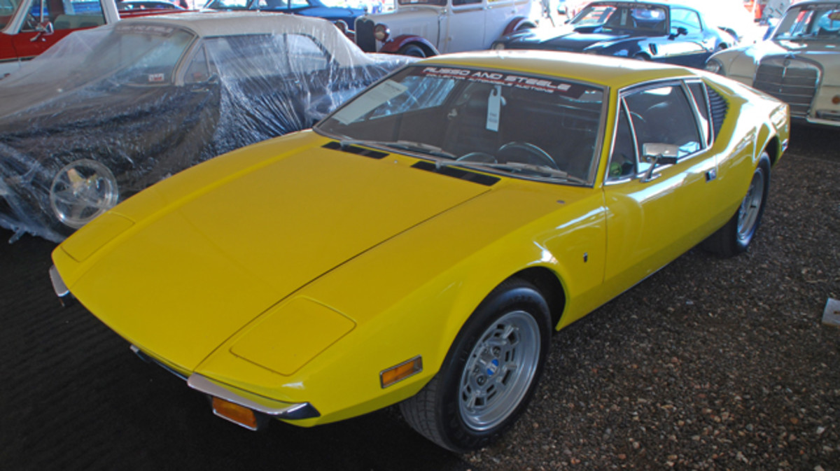 Russo & Steele is planning to offer a wide variety of collector cars, among the favorites for us, this 1971 DeTomaso Pantera coupe.