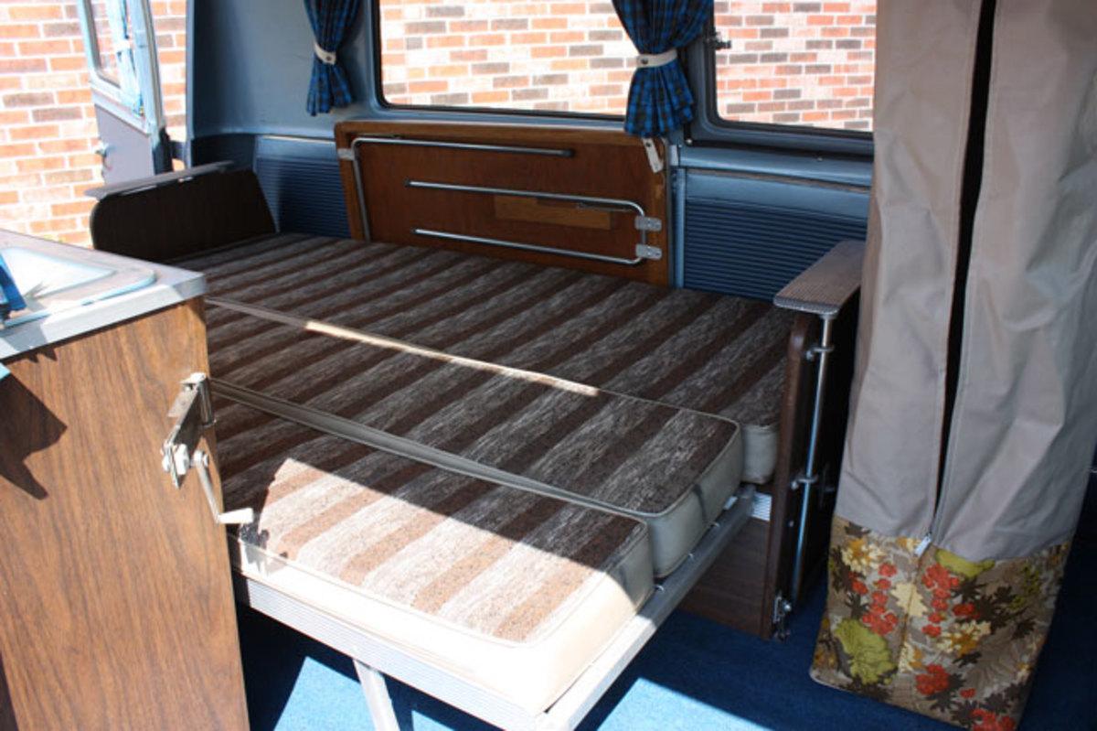 1966-Ford-Van-4