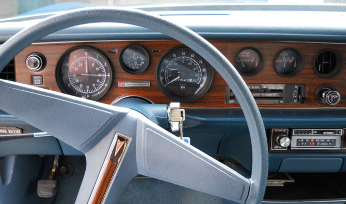 1976-Firebird-interior2