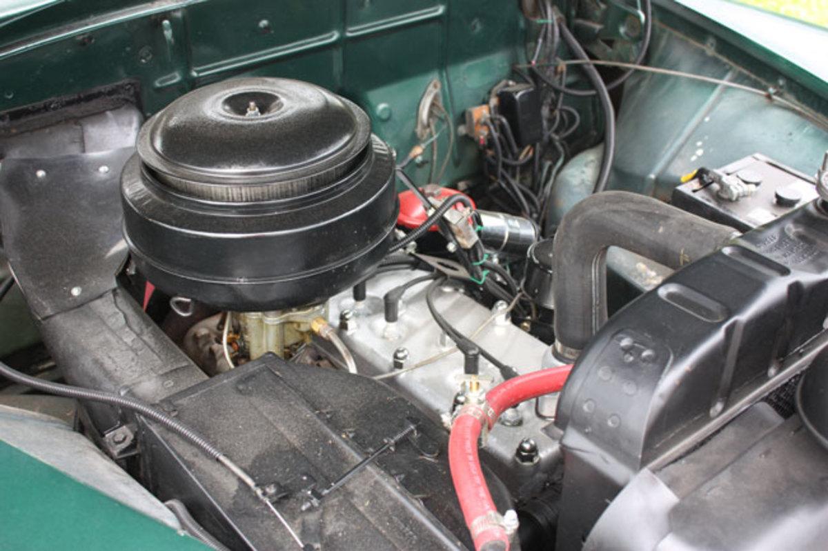 1950-De-Soto-engine