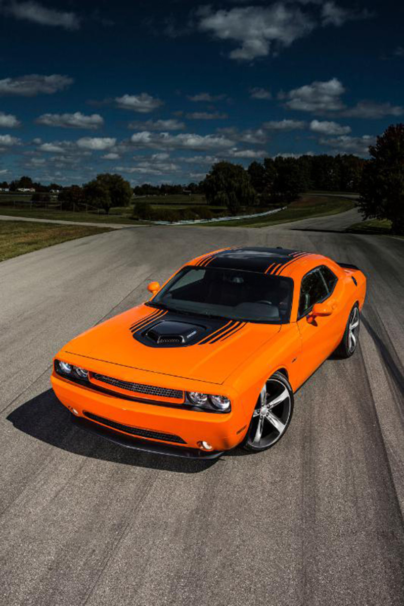 HEMI Shaker Returns with 2014 Dodge Challenger R/T and Mopar '14 Challenger. (PRNewsFoto/Chrysler Group LLC)