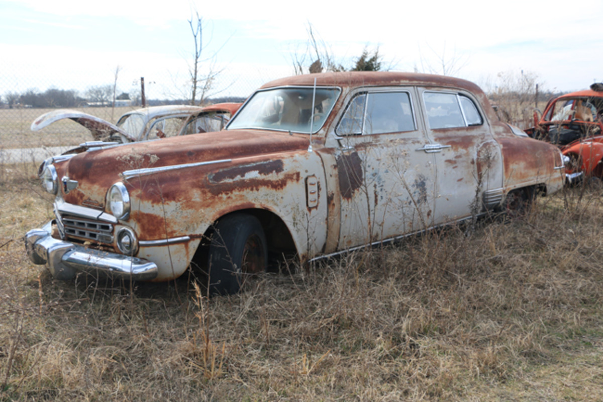 This relatively complete 1949 Studebaker Land Cruiser would make an awesome parts car.