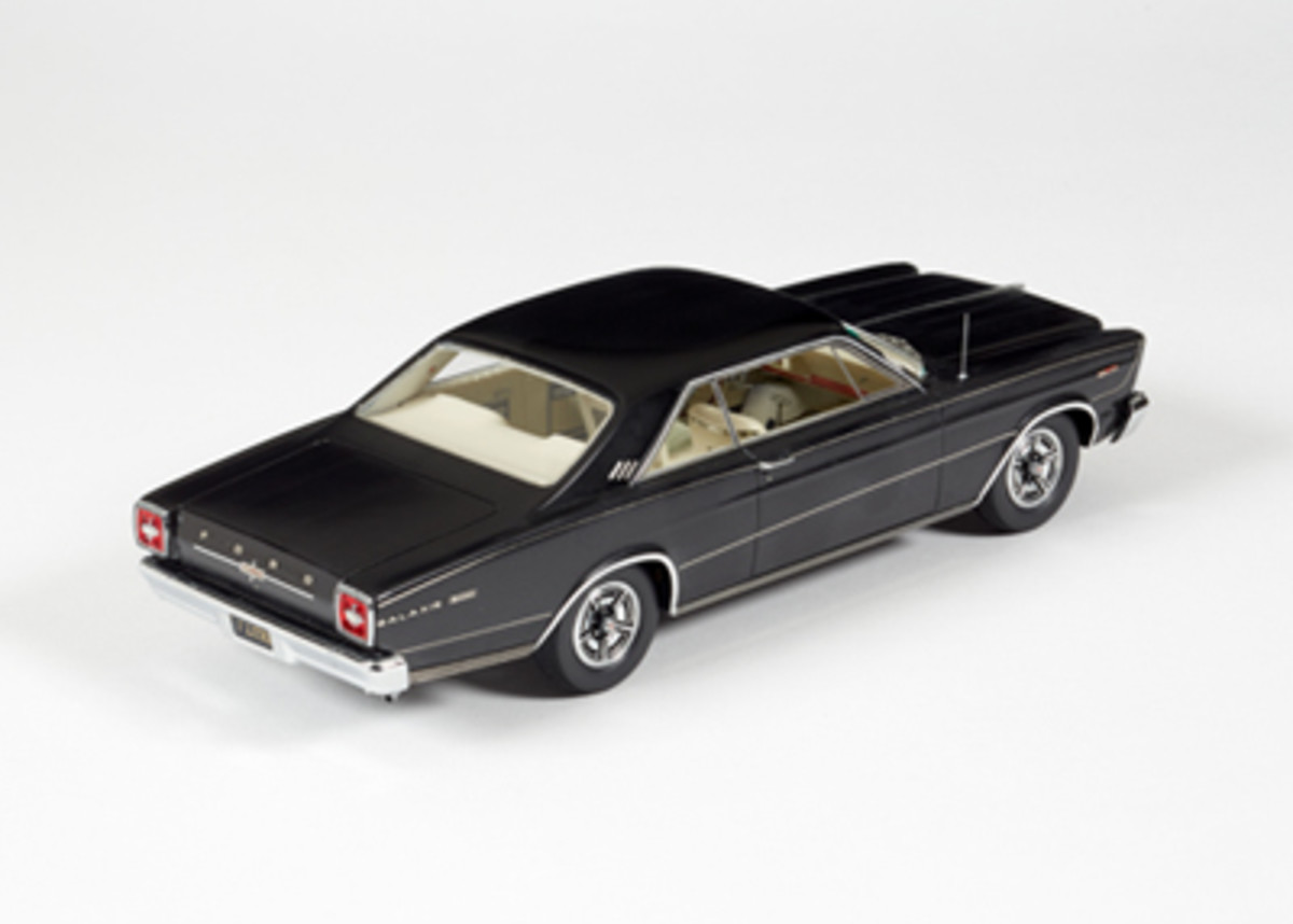 1966FordGalaxie500RavenBlack24F022b