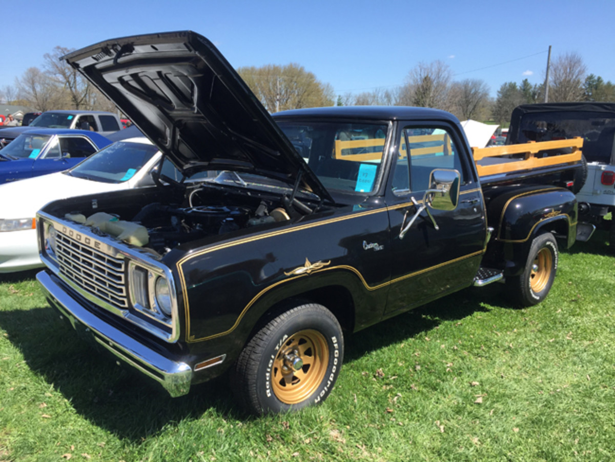 Black-and-gold 1977 Dodge Warlock with a 360-cid V-8 and automatic transmission was offered in the car corral for $24,990.