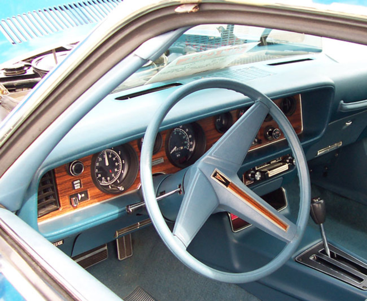 1976-Firebird-interior1
