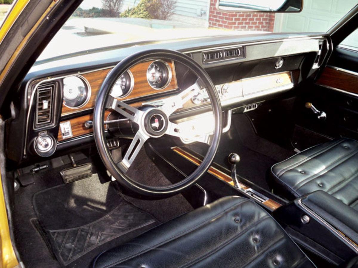 1971-442-interior1