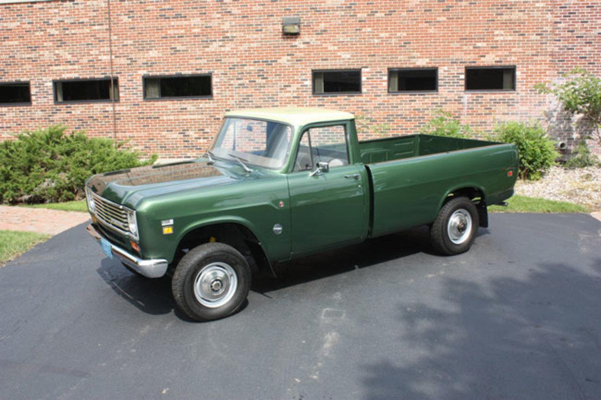 1975-IH-pickup-10