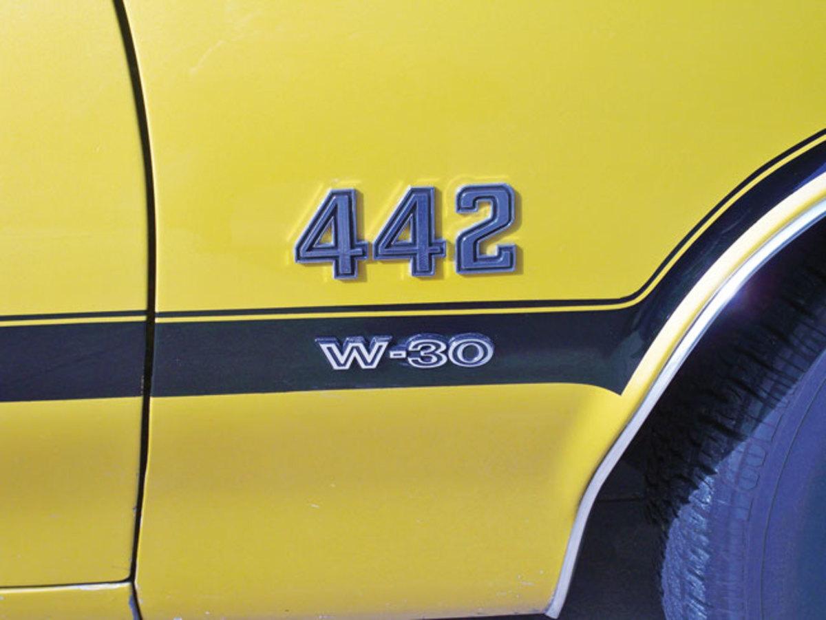 1971-442-badge