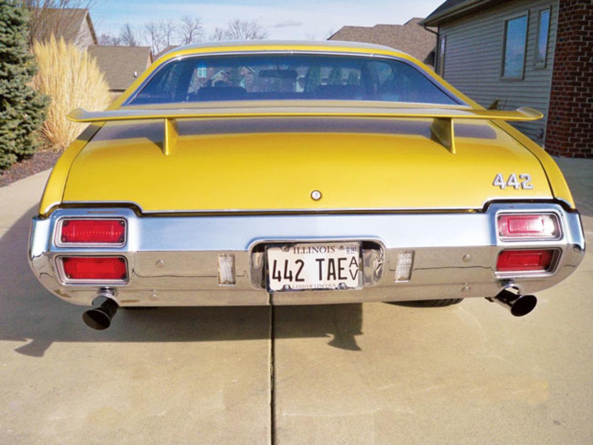 1971-442-back-end