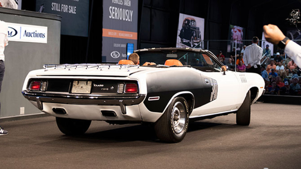1971 Plymouth 'Cuda Convertible sold for $150,000. Photo - RM Auctions
