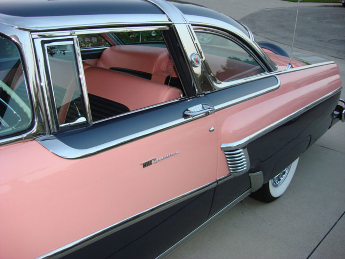 1956-Mercury-backend