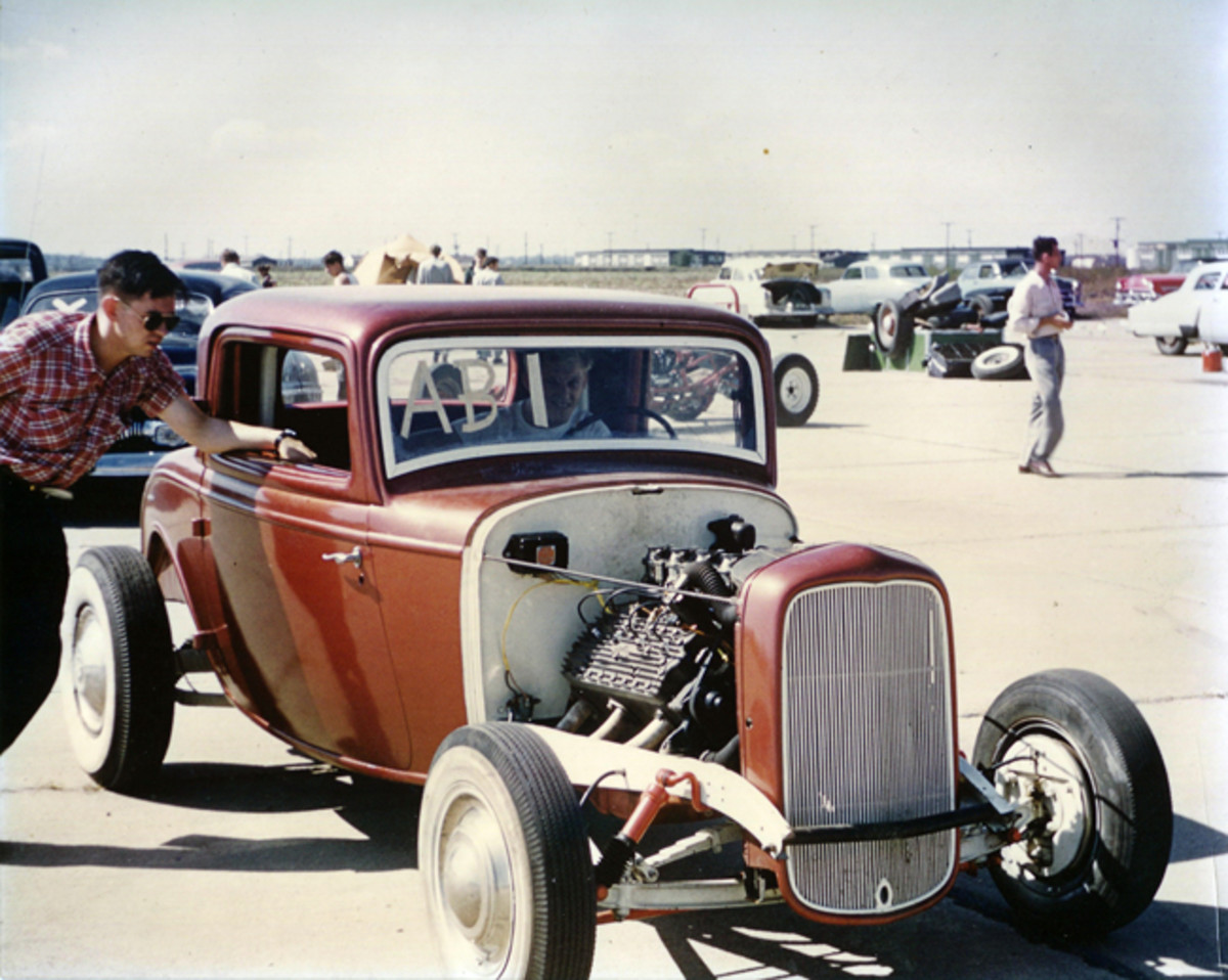 Surviving pictures show the '32 Ford at the 1954 World Series of Drag Racing. The car placed first in the A-B class with a time of 105.88 mph.