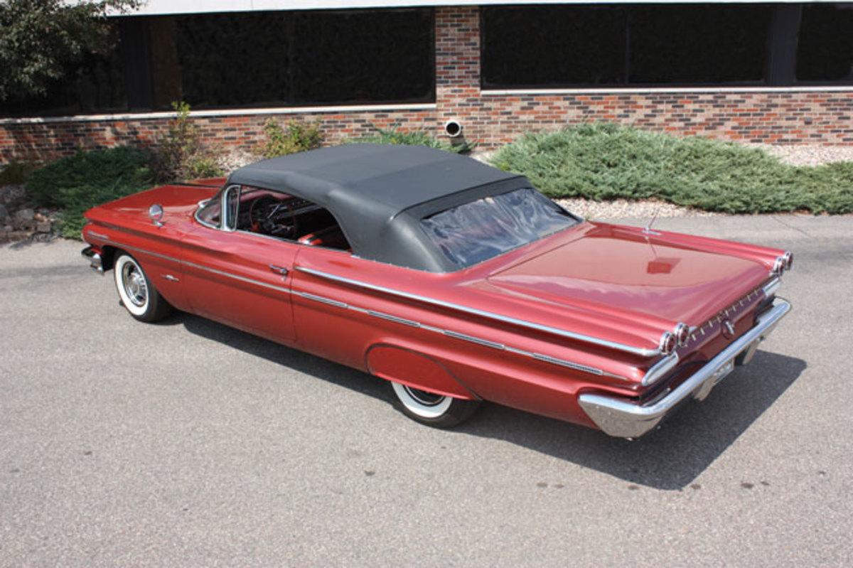 1960-Bonneville-top-up