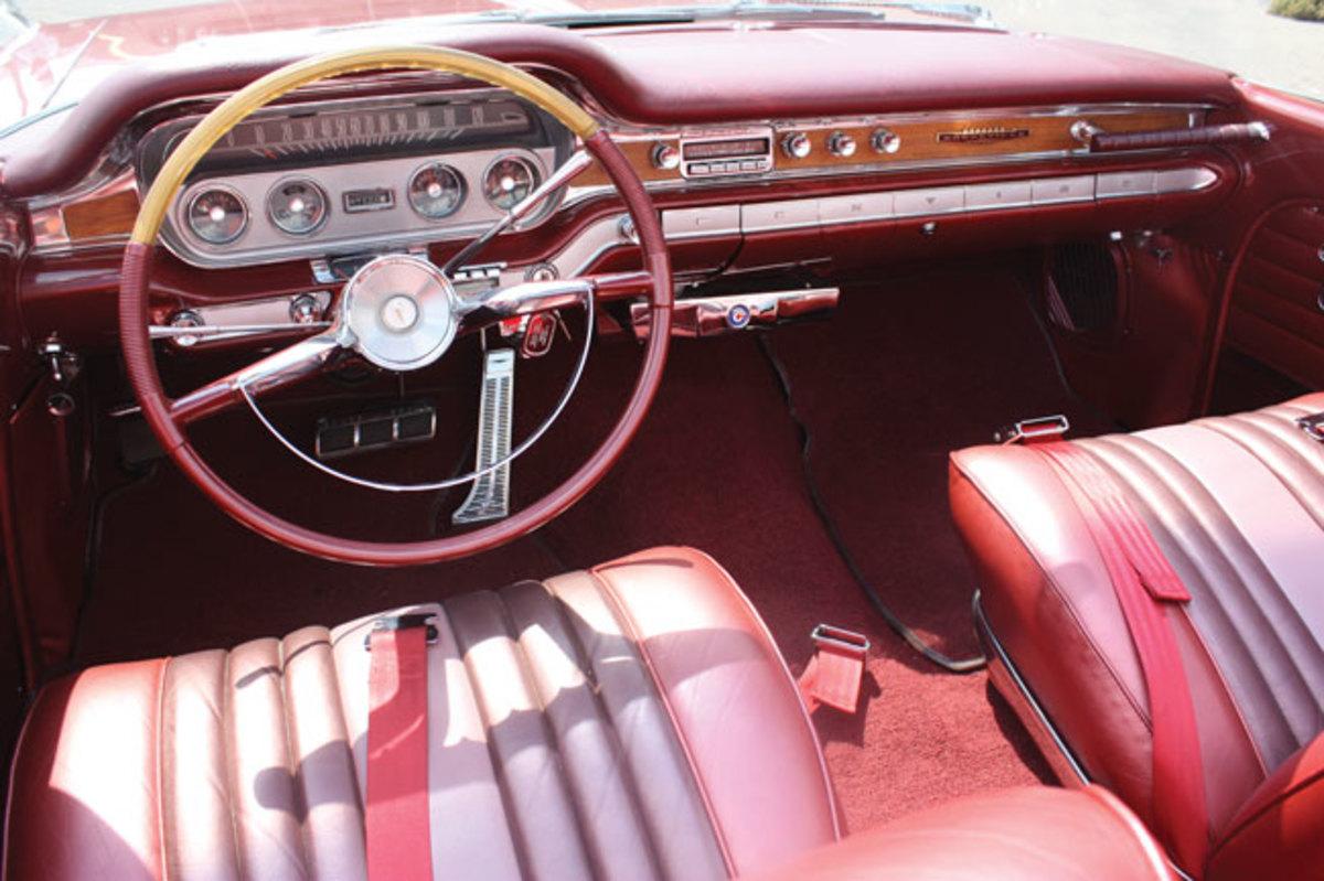 1960-Bonneville-interior2