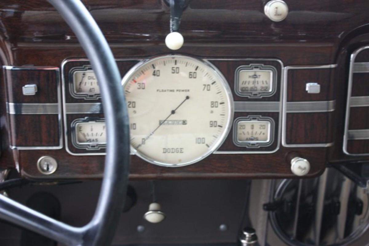 1936 Dodge-dash