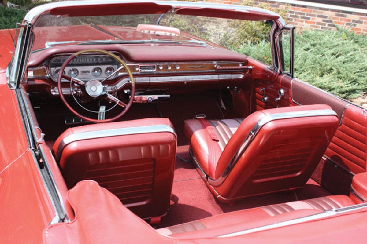 1960-Bonneville-interior1