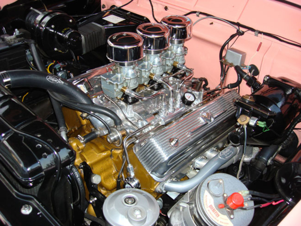 1956-Mercury-engine