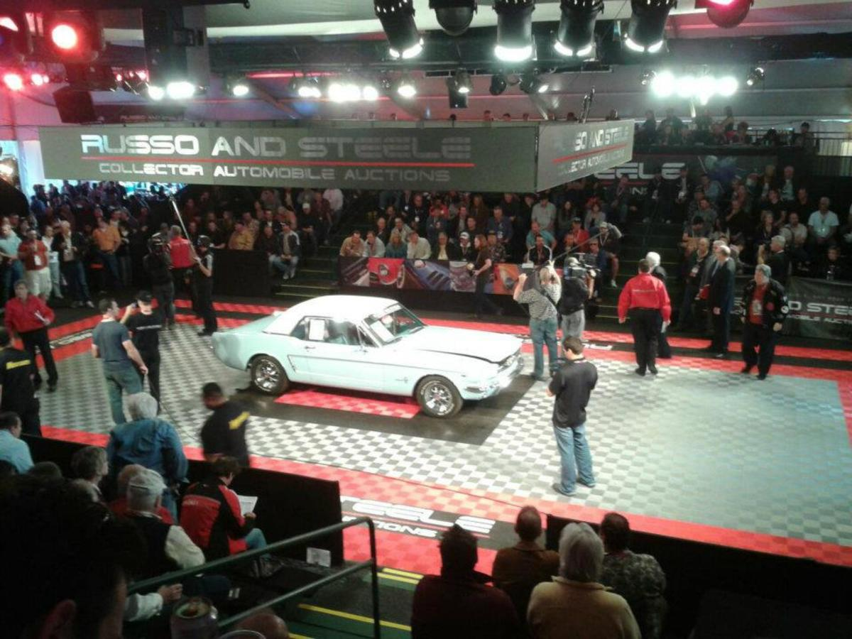 Early 1965 Mustang with 260cid V8 sold for $15,500.