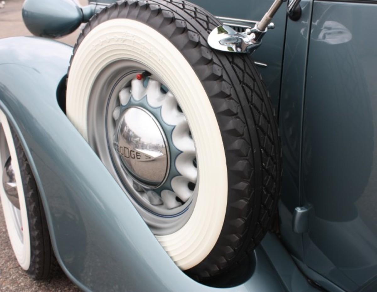 1936 Dodge-sidemount