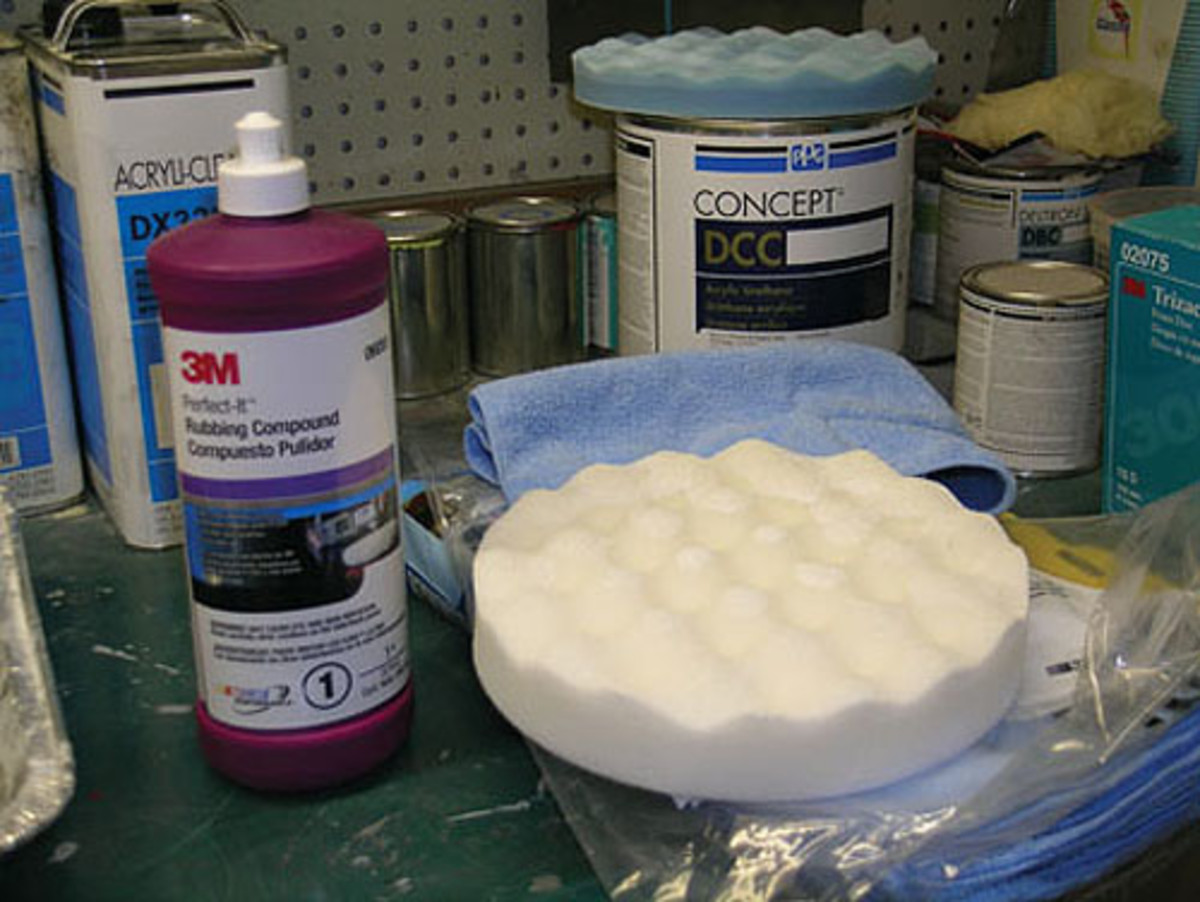 There are three polishing steps Kopecky undertakes after sanding with a 3,000-gritsanding disk. The first step uses this 3M Perfect-It foam compound pad and matchingPerfect-It rubbing compound. The second step uses a machine polish rubbing compoundwhile the final step uses a softer 3M Perfect-It Ultrafina SE Perfect-It polish.