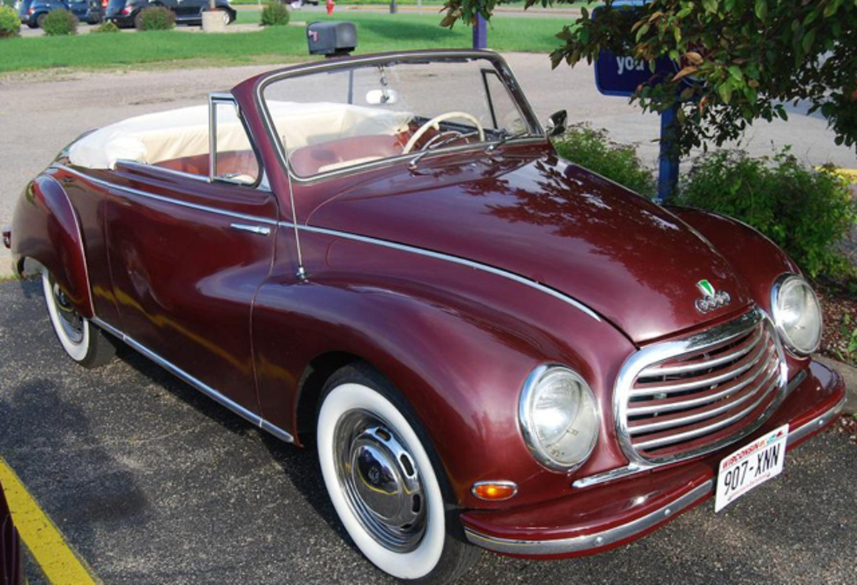 The '56 DKW 3=6 Drophead Coupe has a smiley disposition.