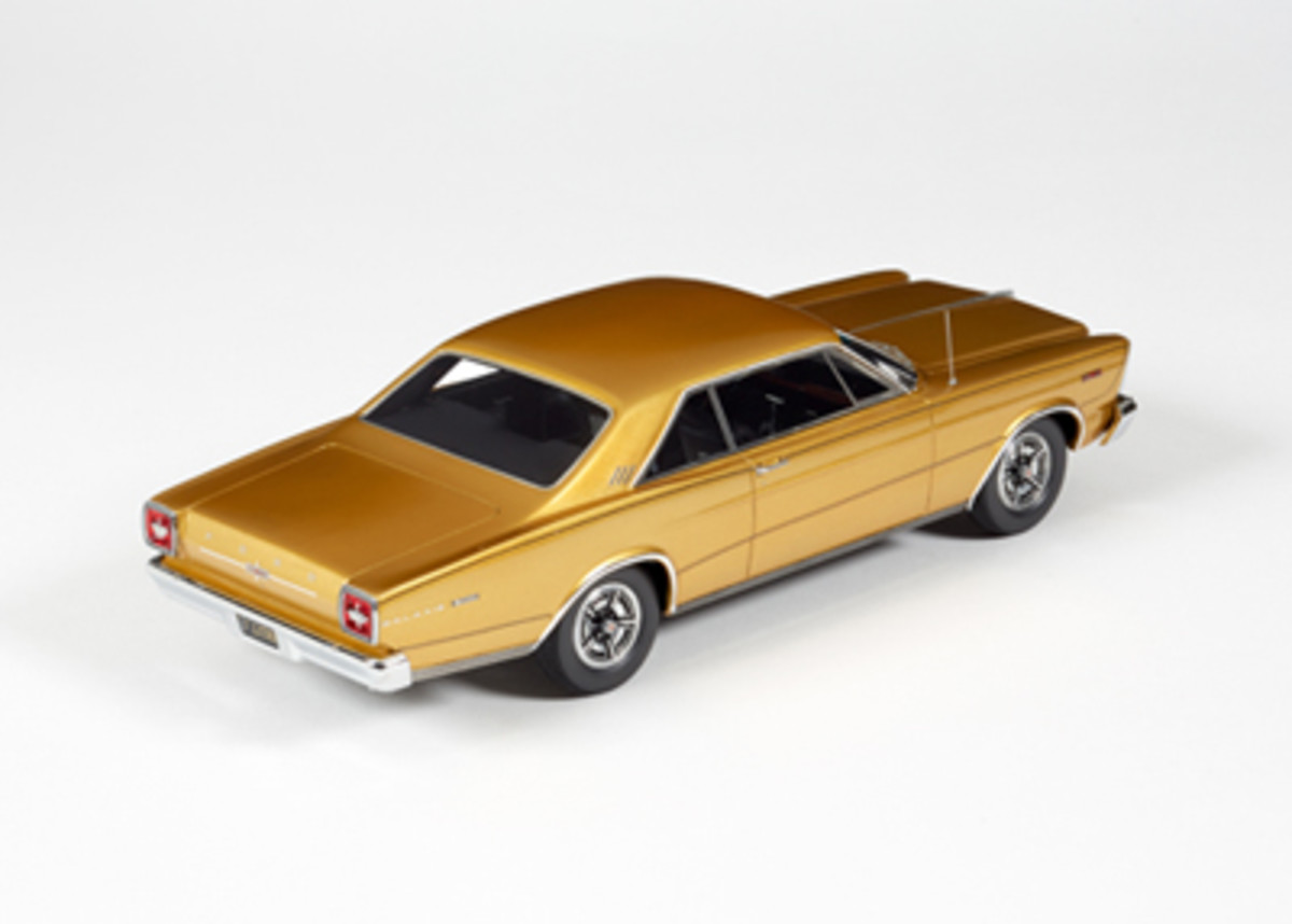 1966FordGalaxie500AntiqueGold24F021b
