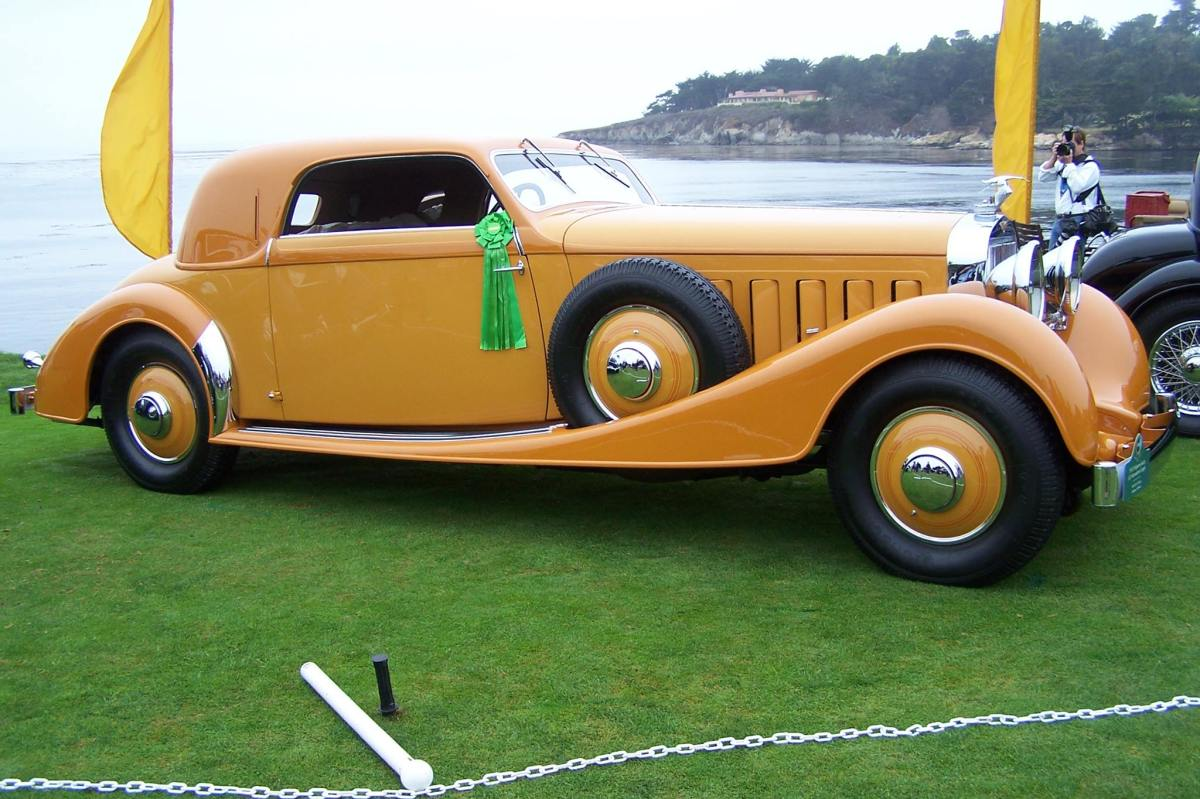 A display of Vanvooren coachwork included this 1933 Hispano-Suiza J12
