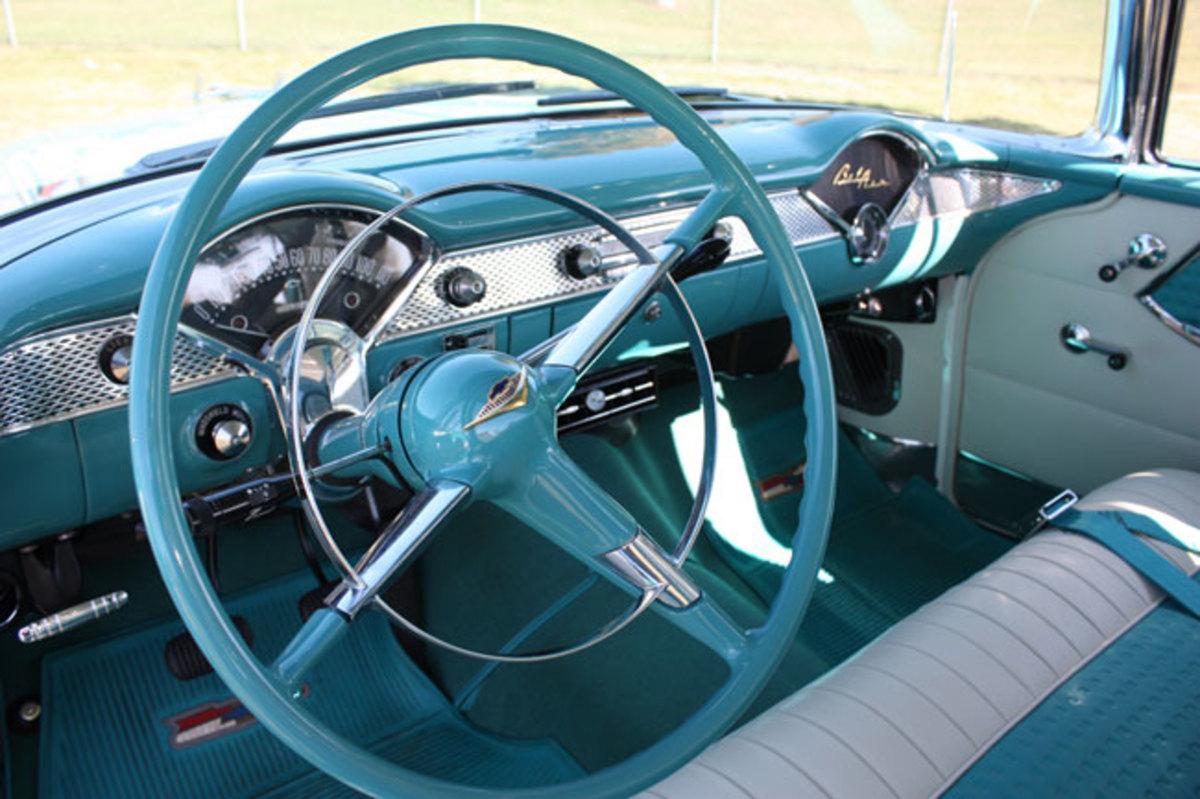 1955-Nomad-interior