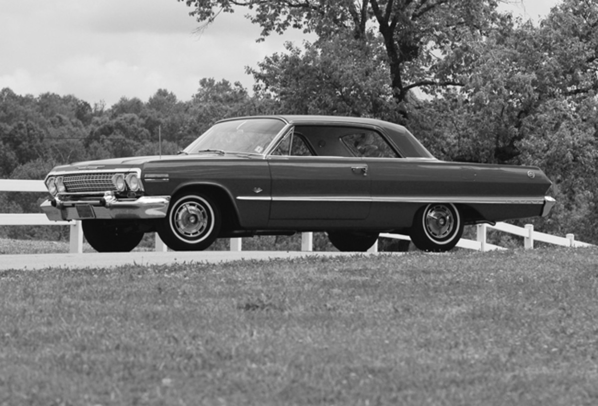 Due to a car accident that incapacitated chief stylist Clare MacKichan for several months, assistant Dave Holls' Cadillac-inspired design cues helped make the Impala look lower and longer for 1963, and it has become somewhat iconic of the breed.