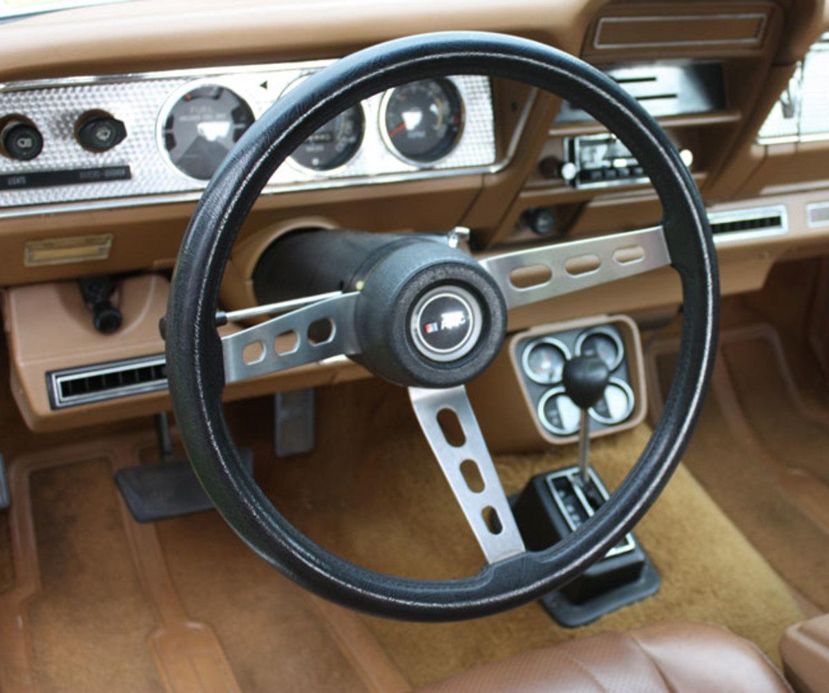 1977-AMC-Hornet-interior