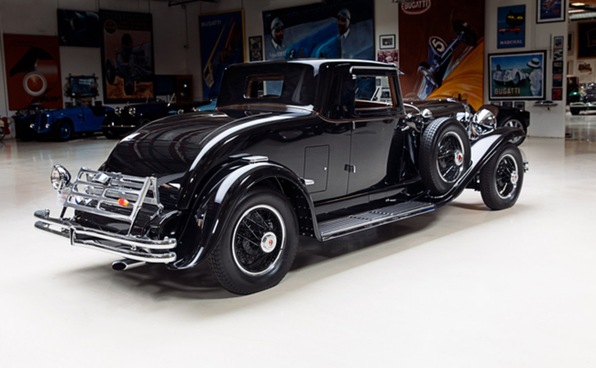 The Duesenberg is just as breathtaking from behind.